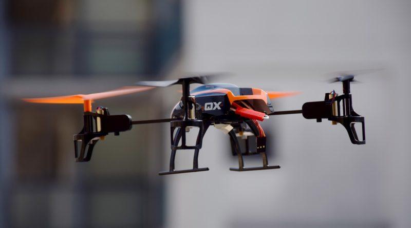 drone-674238_1280-1